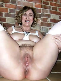 Milfs, gilfs, wives, matures.