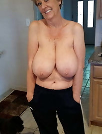 Mature and Grannies porn pictures