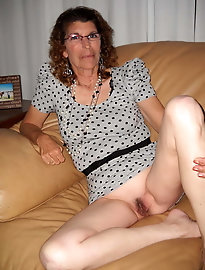 Older wife in stockings is a meaty fuckdoll