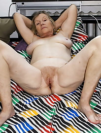 Mature and Grannys 0121